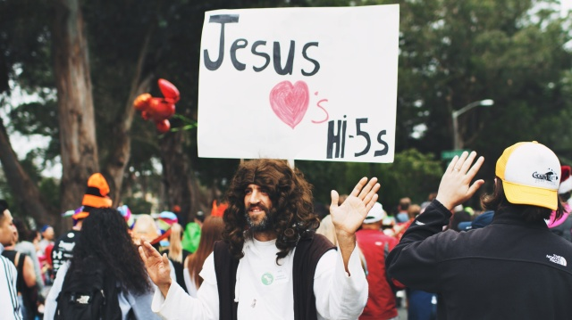 Jesus Loves High-Fives